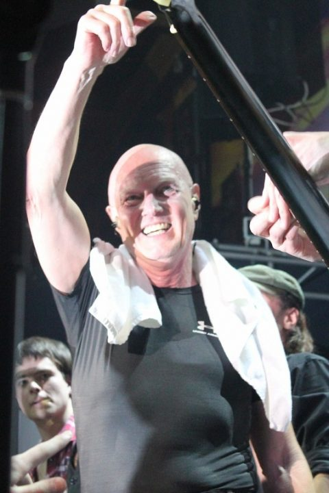 chris-slade-photo-2011-concert_22